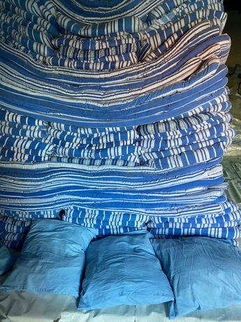 Продаётся б/у постельные комплекты,матрацы,подушки,одеяло,коврики