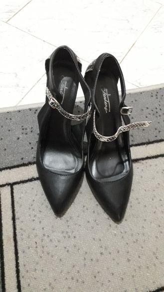 Официални обувки на висок ток