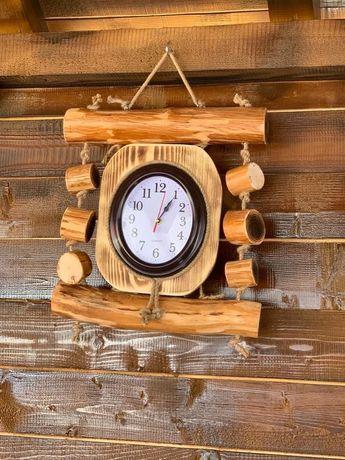 Ceas decorativ de perete din lemn