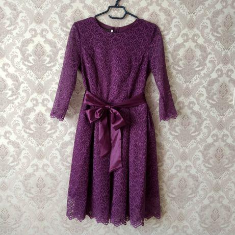 Женское платье 1 раз одето.