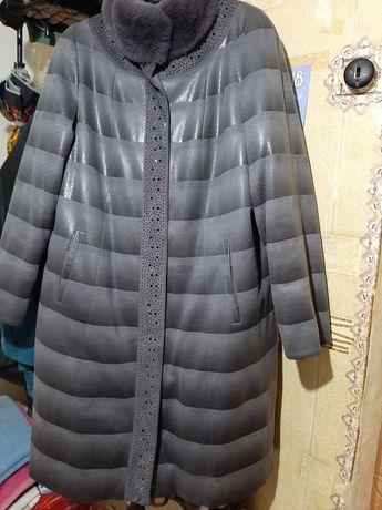 Продам пальто в отличном состоянии.