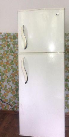 Холодильник LG продам