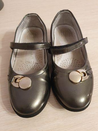 Школьные туфли  на девочку