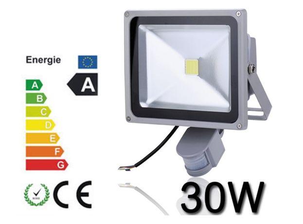 Proiector Plasma LED 30W echivalent 300W cu Senzor miscare proiectoare