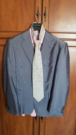 Мъжки елегантен костюм