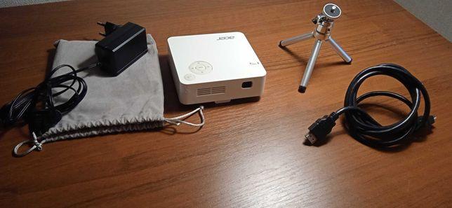 Мини-проектор Acer C202i в идеальном состоянии