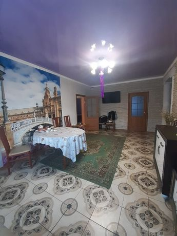 Продам мансардный дом вместе с действующим магазином! Район Пугачева