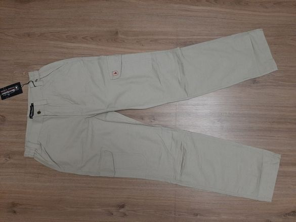 Продавам панталон Deerhunter летен, много лек (памук 75%)