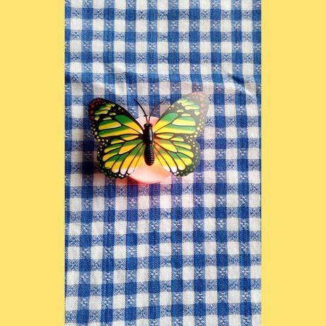 Бабочка-наклейка мигающая