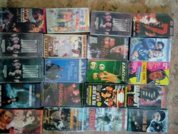 Видеокассеты 32 штуки