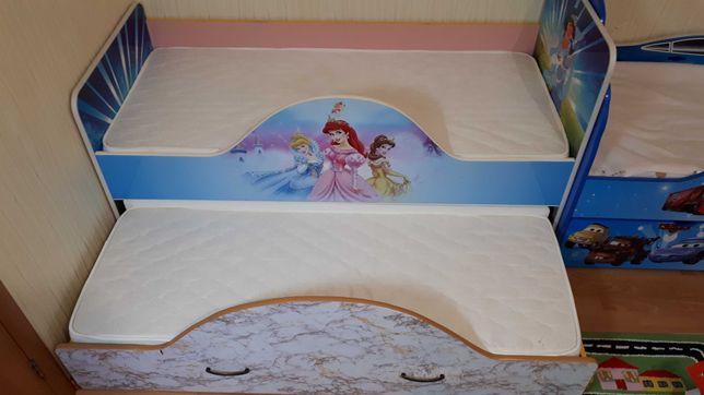 Кровать выдвижная для двоих детей за 21000