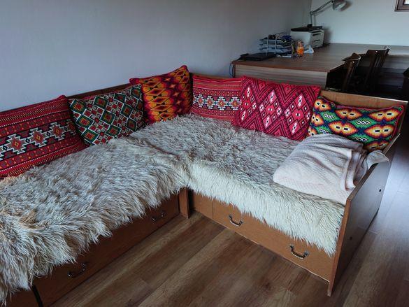 Две ъглови легла