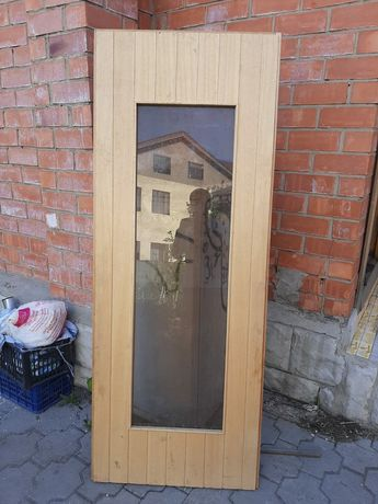 Продам деревянную дверь в сауну