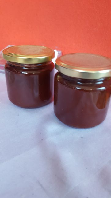 vindem dulceata de : caise zmeură cireșe mure macese