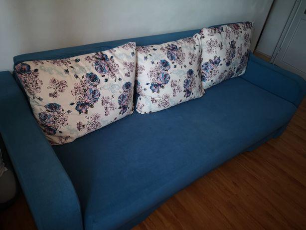 Vând canapea extensibilă
