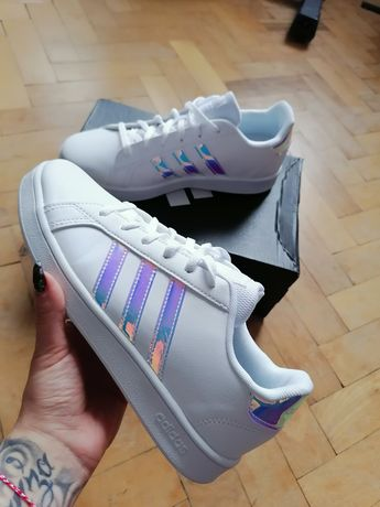 Маратонки Adidas холограм