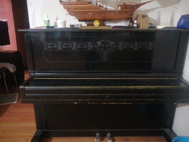 Отдам бесплатно пианино самовывоз