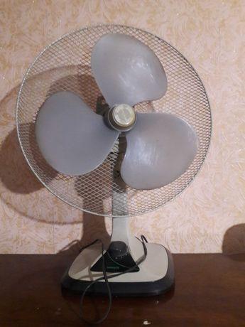 Вентилятор комнатный, настольный