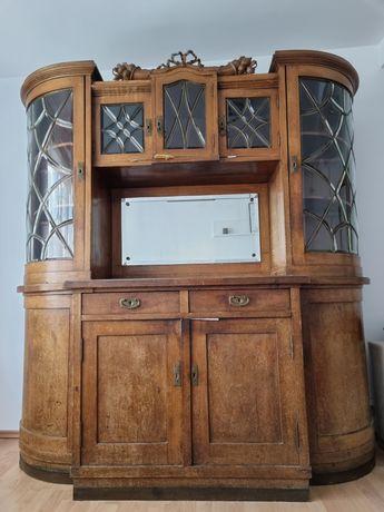 Mobilier vechi de colectie