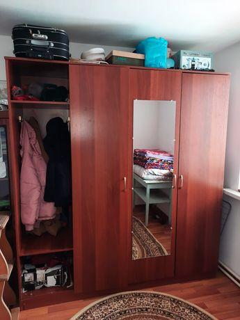 Продам большой шкаф,сделана на заказ