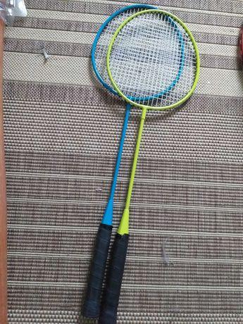 Set rachete badminton cu minge. Noi