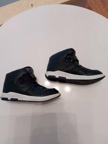Детски обувки за момче и момиче