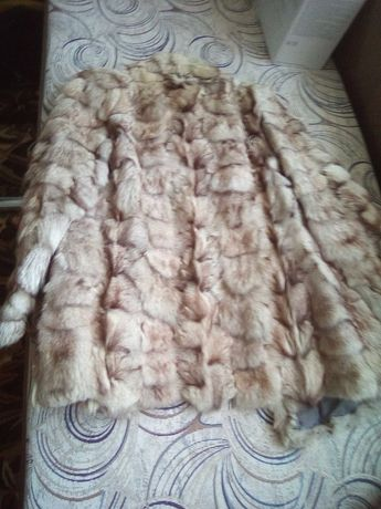Красиво дамско палто от полярна лисица.