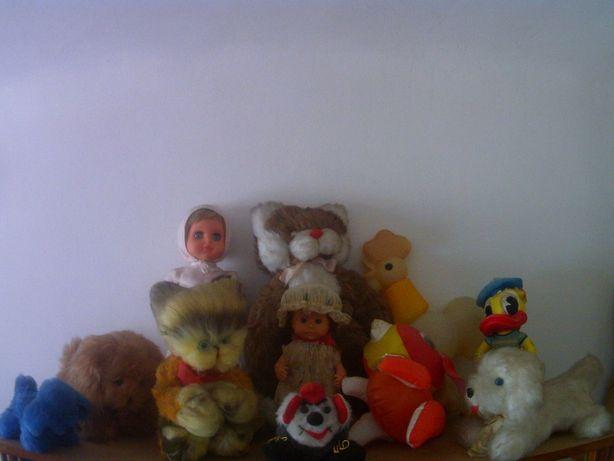 Jucarii de colectie papusi , ursuleti , catei , cocos , ratoiul donald