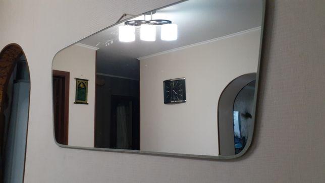 Продам навесное зеркало