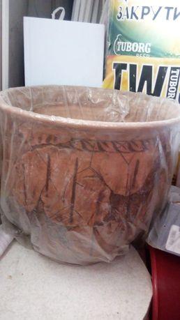Продам керамический горшок ,большой, размер 45см*45см.