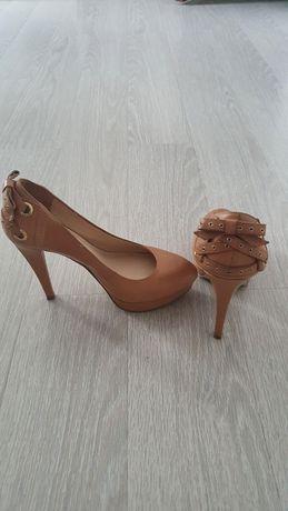 Pantofi Guess nr.37