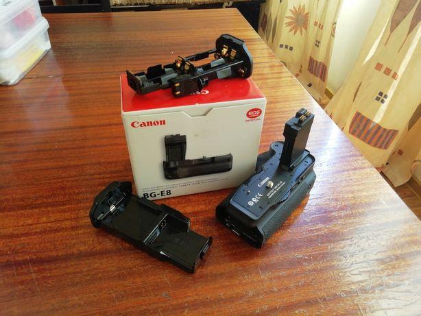 Canon BG-E8. Батарейный блок для камер Canon EOS