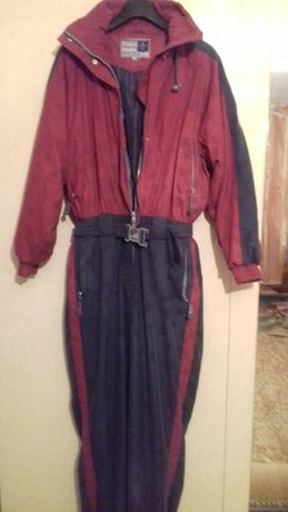 Продам женский костюм комбинезон