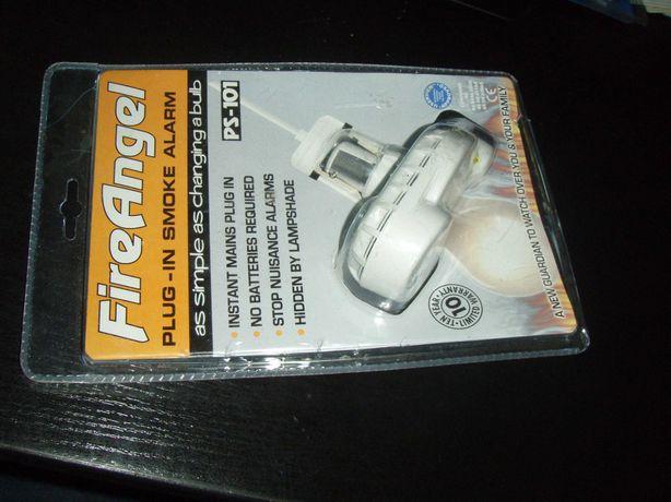 Detector de fum FireAngel PS-101 pentru fasung tip baioneta B22