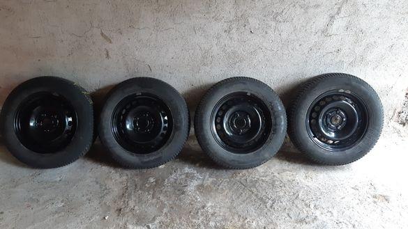Продавам джанти със зимни гуми 15
