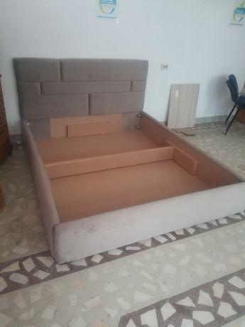 Pat tapițat pentru dormitor