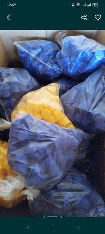 Продам крышки для пластиковых бутылок