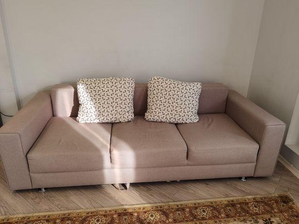 Продам трёхместный, местный, раскладной диван после химчистки.