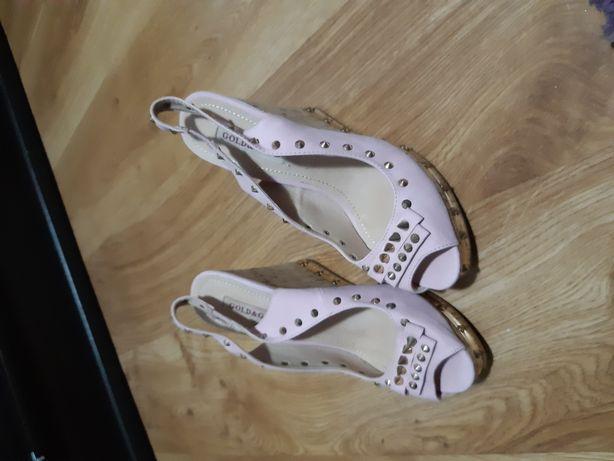 Sandale cu platforma roz pal
