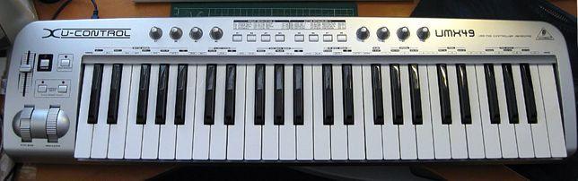 миди клавиатура Behringer um49