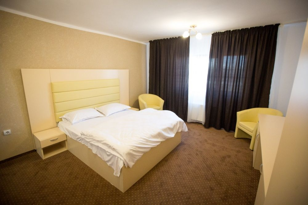 Camere Duble sau tween in regim hotelier