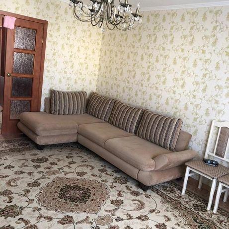 Мягкий диван в хорошем состояний