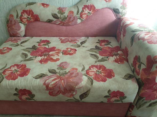 Продам диван в хорошем