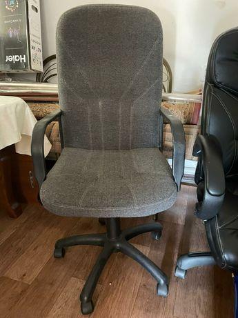 Продаём офисное кресло