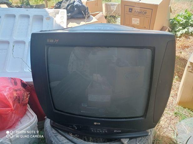 Телевизор LG все отлично работает на ремонте не был никогда