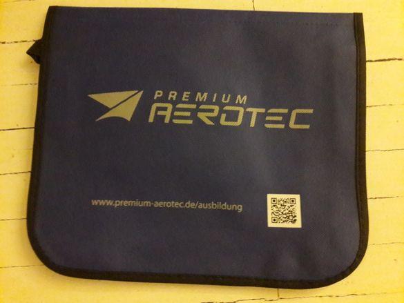 "Чанта за лаптоп 36 х 30 см до 15,6"" тъмно синя или жълта"