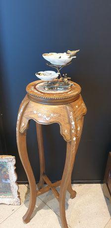 Bibelou cu aplicații din bronz