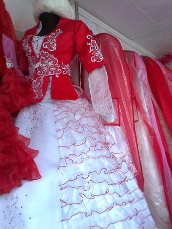 Национальные платья!