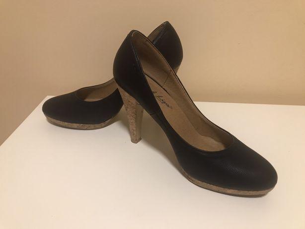 Pantofi smart casual