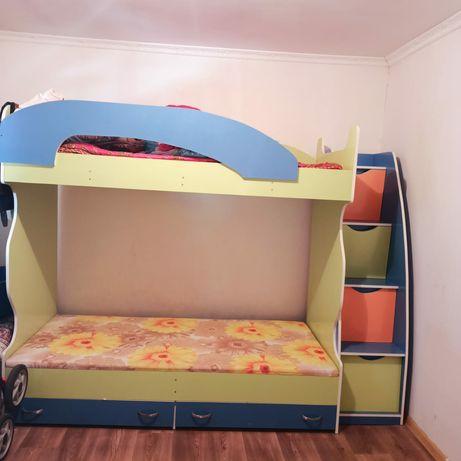 Детская кровать двухярусная.